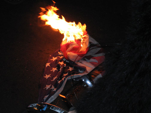 SF USA flag burning01